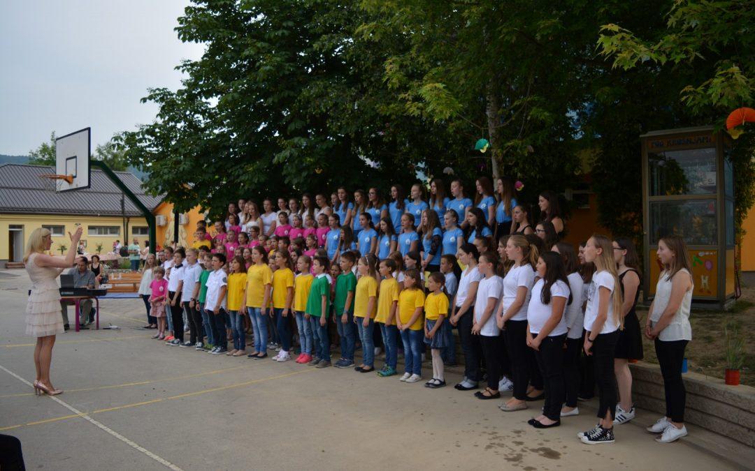 Zaključni koncert otroškega in mladinskega pevskega zbora